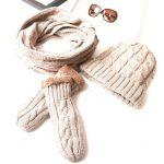 マフラーや手袋、冬の小物のお手入れ方法